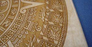 Лазерная гравировка на древесине или фанере
